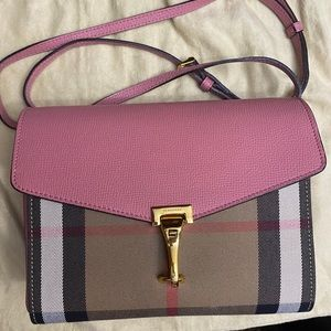 🌸AUTHENTIC Burberry SMALL Macken Crossbody bag🌸